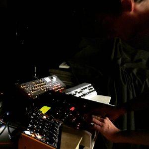 Dam Strad à la Bourse du Travail de Bordeaux pour le festival Echo A Venir - video-mapping - concerts - musiques électroniques